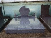 Monumente și lucrari funerare din granit pentru două locuri