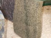Monument funerar din granit. Model: M-13